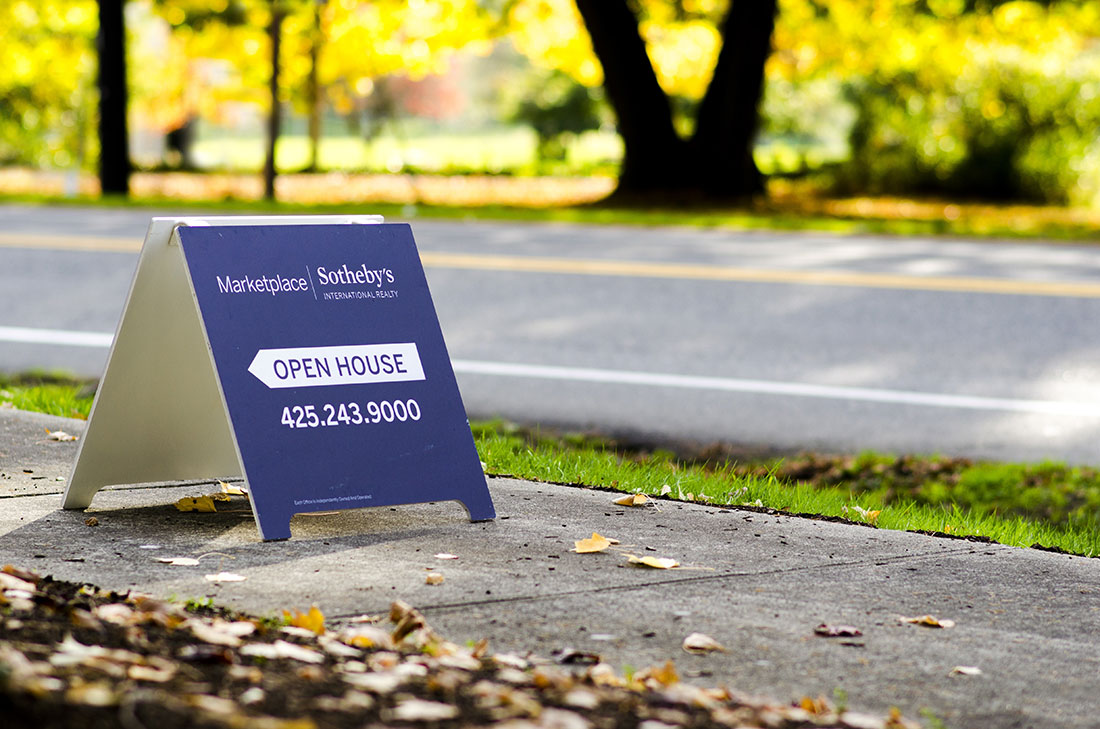 Customized sidewalk signs for your business in Charlotte, NC