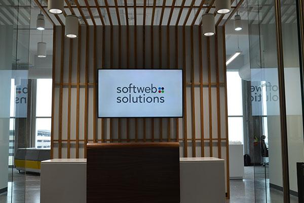 Digital front desk signs in Charlotte, NCq