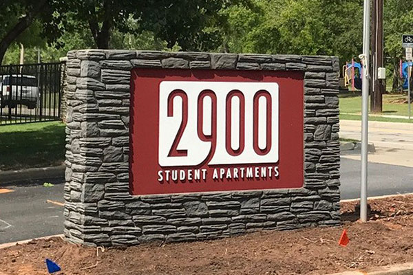 Custom monument signs for 2900 Students Apartment in Chicago, NC